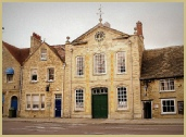 Witney Blanket Hall at a 100 High Street Witney for woollen blankets, woollen throws, and English pies.
